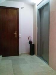 pintado zona ascensor