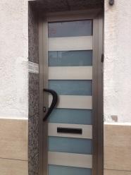 puerta negocio o vivienda